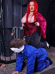 Mistress Jemstone beating up halloween wildman Michael Myers